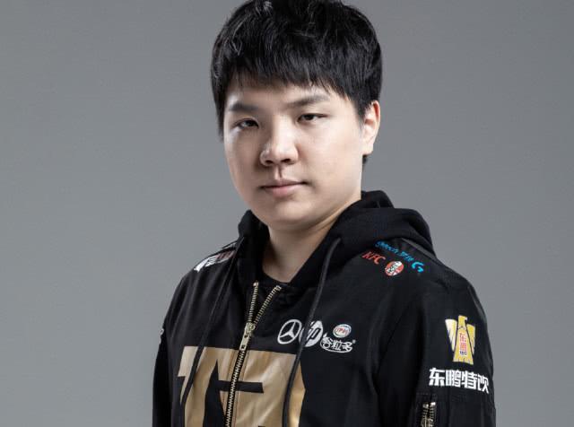 AJ自曝将缺席接下来的比赛,RNG或启用新上单?